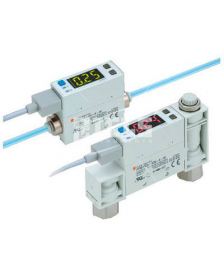 PFM Digital flow switch with color display.